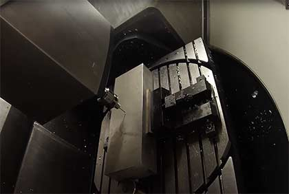 Comefor : centre d'usinage 5axes